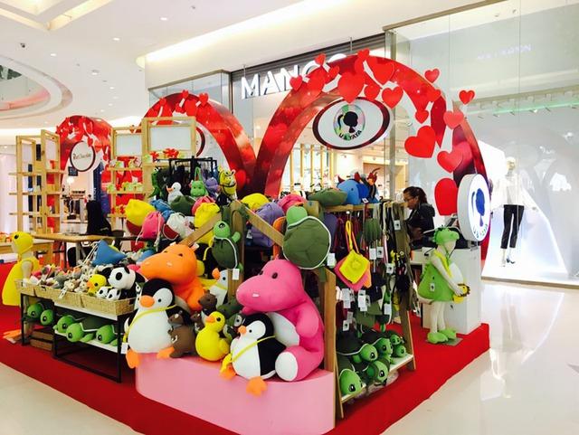 Đón Valentine cùng cặp đôi Thái Trinh – Quang Đăng tại Crescent Mall - Ảnh 1.