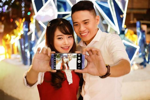 Nhân Valentine, ngẫm sự giống nhau giữa smartphone và người yêu - Ảnh 1.
