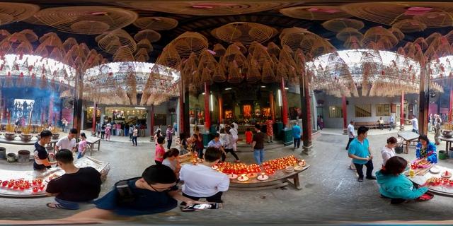Lễ chùa đầu năm theo cách siêu độc đáo cùng camera 360 - Ảnh 5.