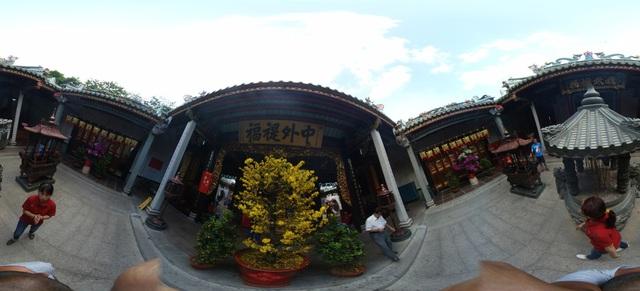 Lễ chùa đầu năm theo cách siêu độc đáo cùng camera 360 - Ảnh 6.