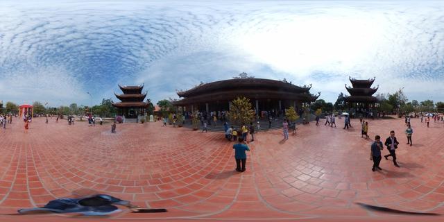 Lễ chùa đầu năm theo cách siêu độc đáo cùng camera 360 - Ảnh 7.