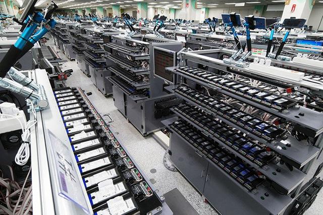 Samsung dẫn đầu trong cuộc đua kiểm tra chất lượng pin điện thoại - Ảnh 2.