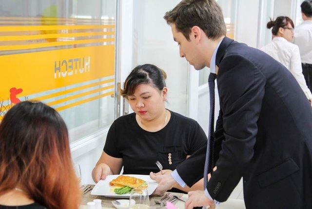 HUTECH khánh thành nhà hàng hiện đại ngay trong trường đại học - Ảnh 3.