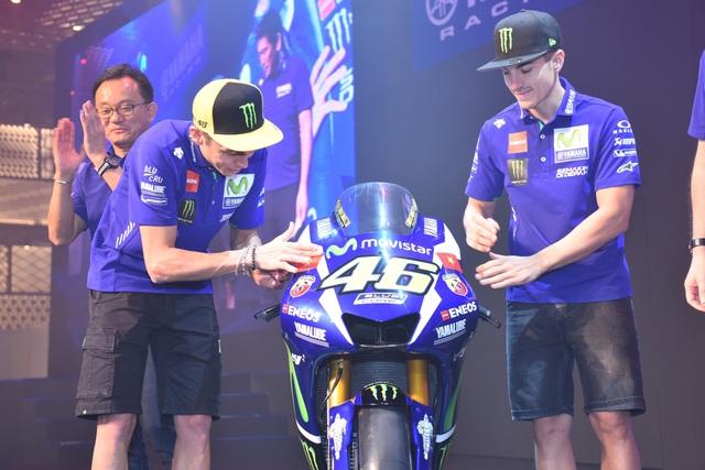 Giới trẻ Sài Gòn đầy năng lượng cùng Monster Energy gặp gỡ huyền thoại MotoGP - Ảnh 1.