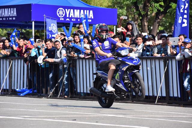 Giới trẻ Sài Gòn đầy năng lượng cùng Monster Energy gặp gỡ huyền thoại MotoGP - Ảnh 2.