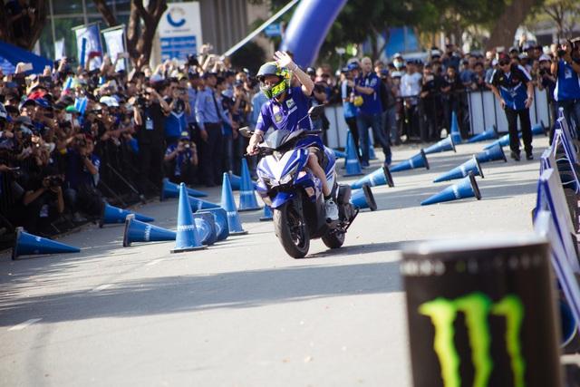 Giới trẻ Sài Gòn đầy năng lượng cùng Monster Energy gặp gỡ huyền thoại MotoGP - Ảnh 3.