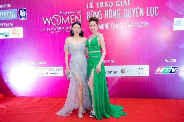 Hoa hậu Sella Trương mang kim cương, ngồi xế ''xịn'' nổi bật tại sự kiện - Ảnh 7.