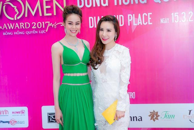 Hoa hậu Sella Trương mang kim cương, ngồi xế ''xịn'' nổi bật tại sự kiện - Ảnh 8.