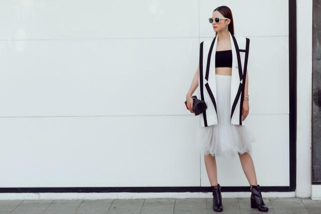 """Hoa khôi Lý Thiên Trúc cực chất với phong cách """"black & white"""" - Ảnh 7."""