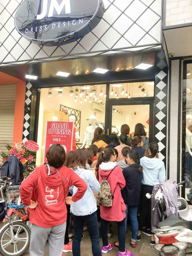 Giới trẻ nhộn nhịp chào đón Jasmine khai trương cửa hàng thứ 7 - Ảnh 1.