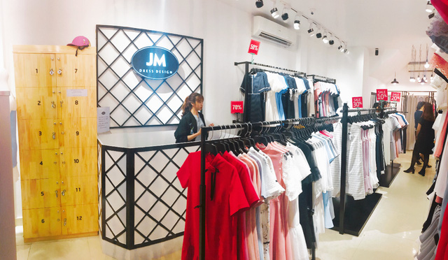 Giới trẻ nhộn nhịp chào đón Jasmine khai trương cửa hàng thứ 7 - Ảnh 2.