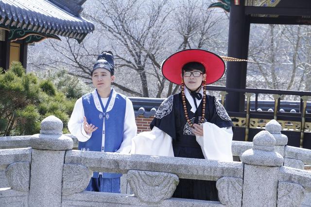 """Sau hit """"Tri kỷ"""", Phan Mạnh Quỳnh tiếp tục """"đốn tim"""" khán giả với ca khúc """"Nước ngoài"""" tại Hàn Quốc - Ảnh 7."""