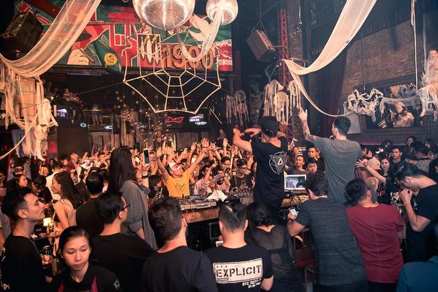 """Khán giả Hà Nội """"bùng nổ"""" trong đêm nhạc Brazillian Bass của 2 DJ đẳng cấp Bhaskar và Gabriel Boni - Ảnh 9."""