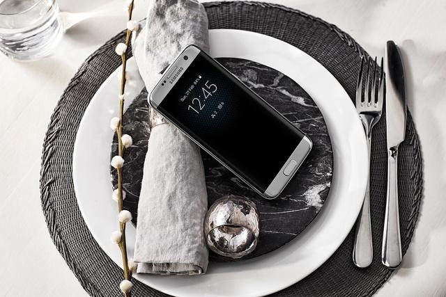 """Galaxy S7 edge sinh ra để trở thành """"siêu mẫu công nghệ"""" - Ảnh 2."""