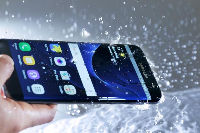 """Galaxy S7 edge sinh ra để trở thành """"siêu mẫu công nghệ"""" - Ảnh 3."""