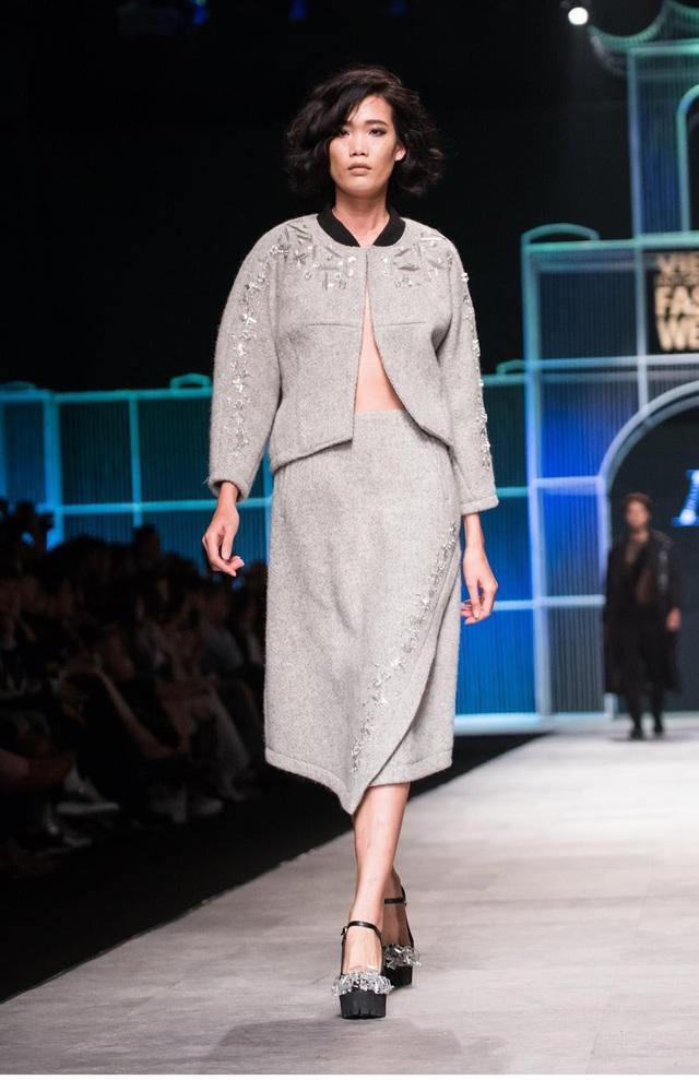 Devon Nguyễn X Huddersfield Cloth - Hậu trường BST thời trang chất liệu chưa từng có tại VIFW - Ảnh 5.