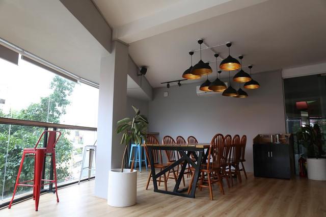 """Khám phá Sài Gòn """"vi diệu"""" gói trọn trong một quán cà phê - Ảnh 6."""