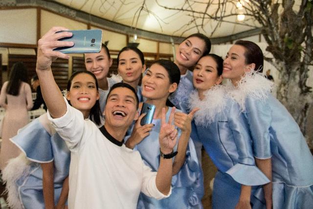 Adrian Anh Tuấn chinh phục giới mộ điệu Hà Nội với BST lấy cảm hứng từ công nghệ - ảnh 3