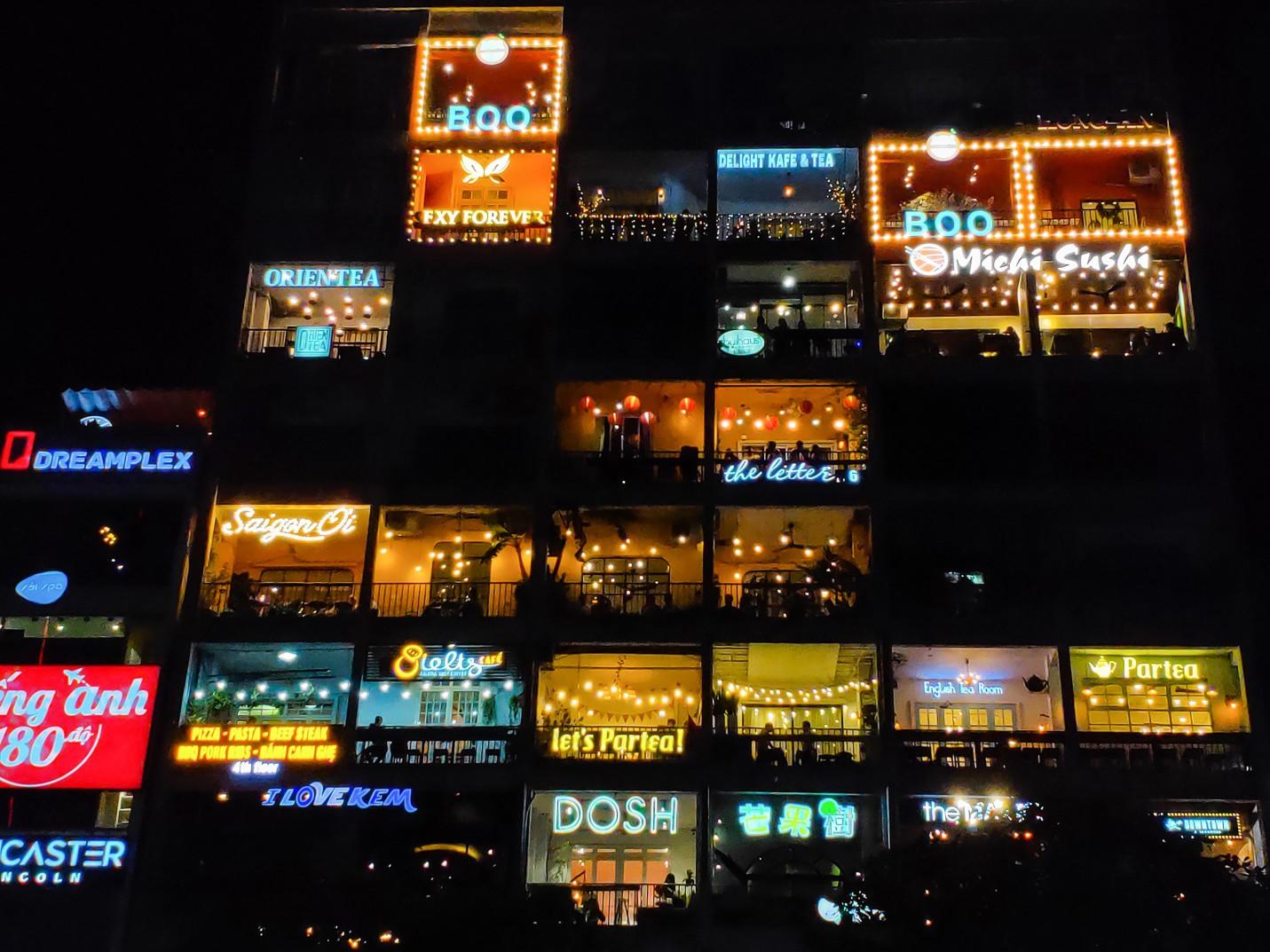 Ấn tượng sắc màu Sài Gòn về đêm qua lăng kính của OPPO R17 PRO - Ảnh 8.