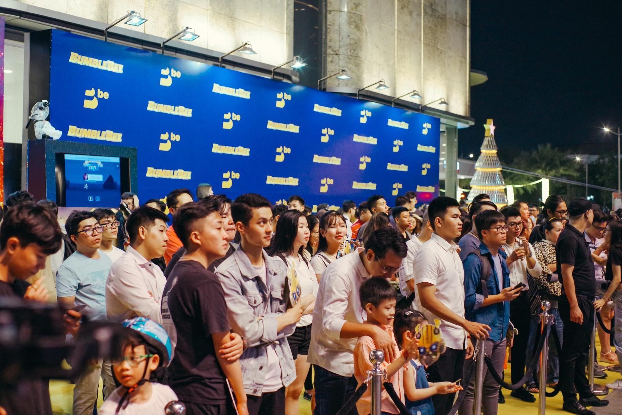 Choáng ngợp với mô hình Bumblebee lớn nhất tại Việt Nam - Ảnh 12.