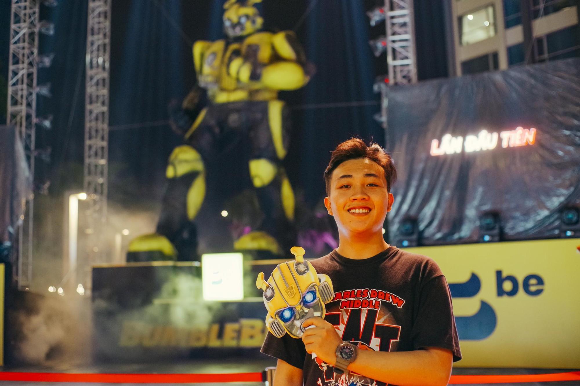 Choáng ngợp với mô hình Bumblebee lớn nhất tại Việt Nam - Ảnh 6.