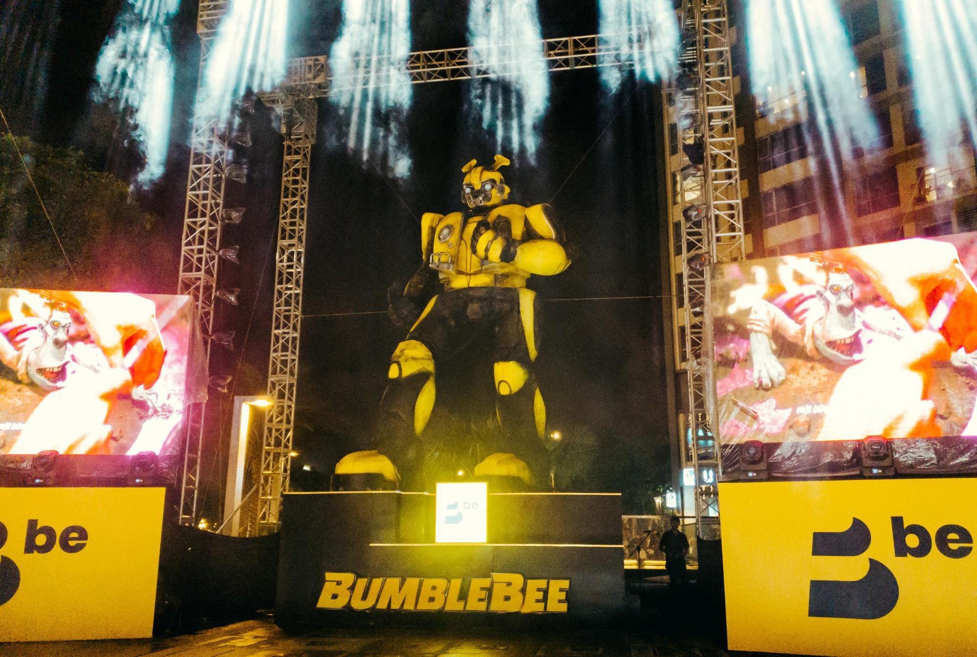Choáng ngợp với mô hình Bumblebee lớn nhất tại Việt Nam - Ảnh 7.