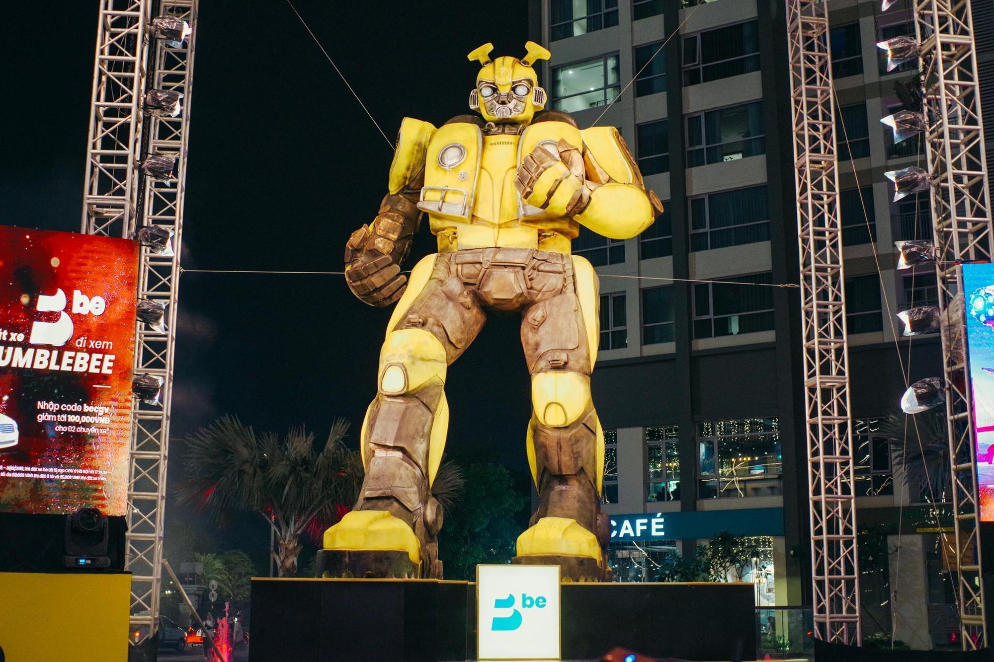 Choáng ngợp với mô hình Bumblebee lớn nhất tại Việt Nam - Ảnh 8.