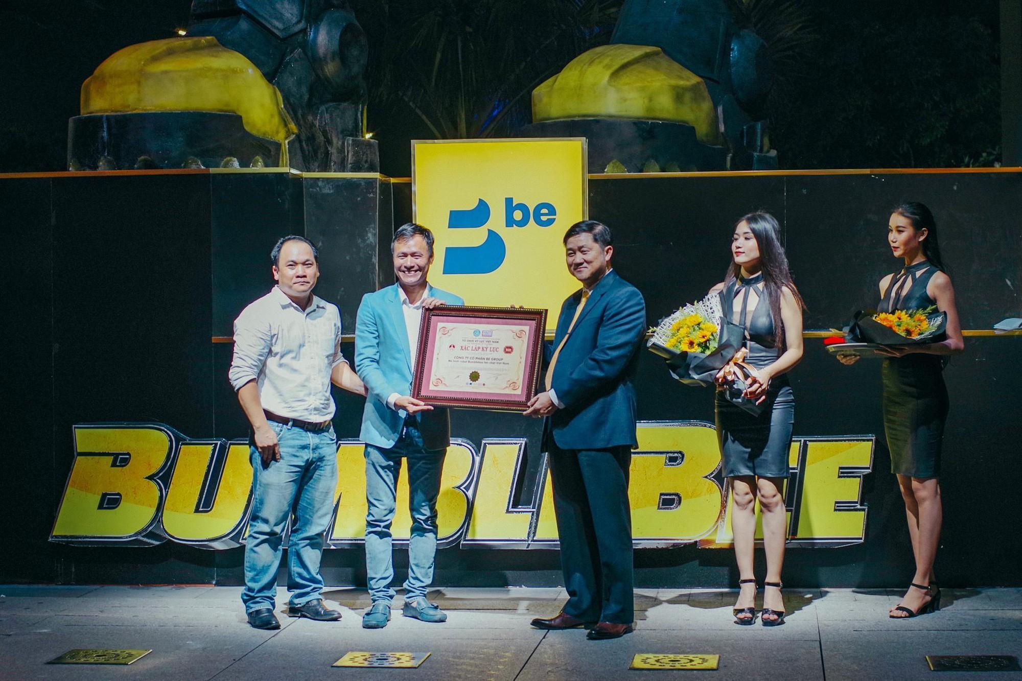 Choáng ngợp với mô hình Bumblebee lớn nhất tại Việt Nam - Ảnh 10.