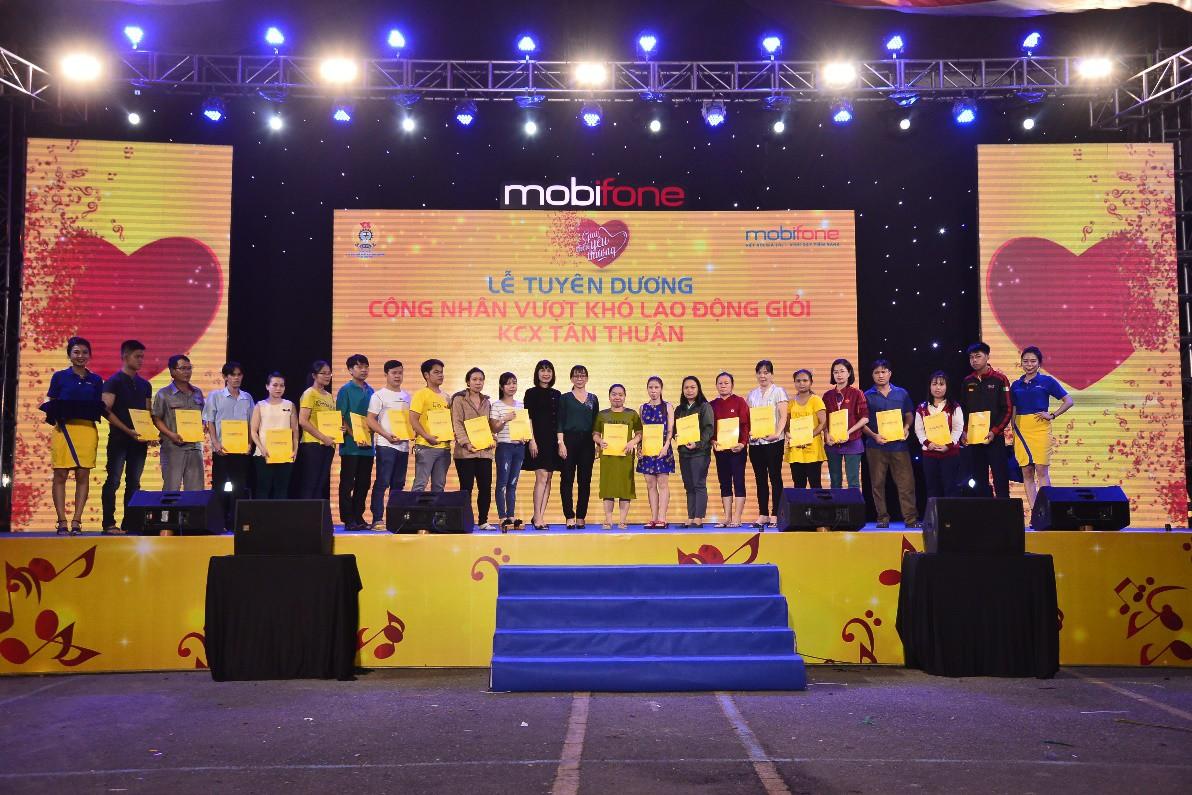 Lam Trường, Phi Nhung, Hồ Quang Hiếu, Thanh Duy Idol cháy hết mình cùng công nhân xa xứ - Ảnh 6.