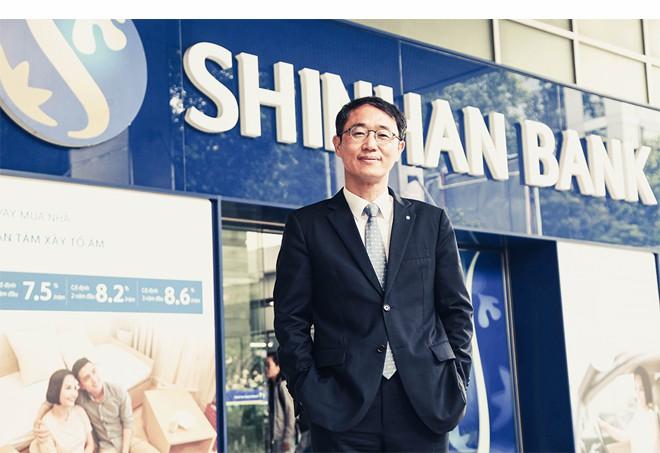 """Tổng Giám đốc Shinhan Việt Nam – ông Shin Dong Min: """"Mục tiêu lớn cần nỗ lực lớn"""" - Ảnh 3."""
