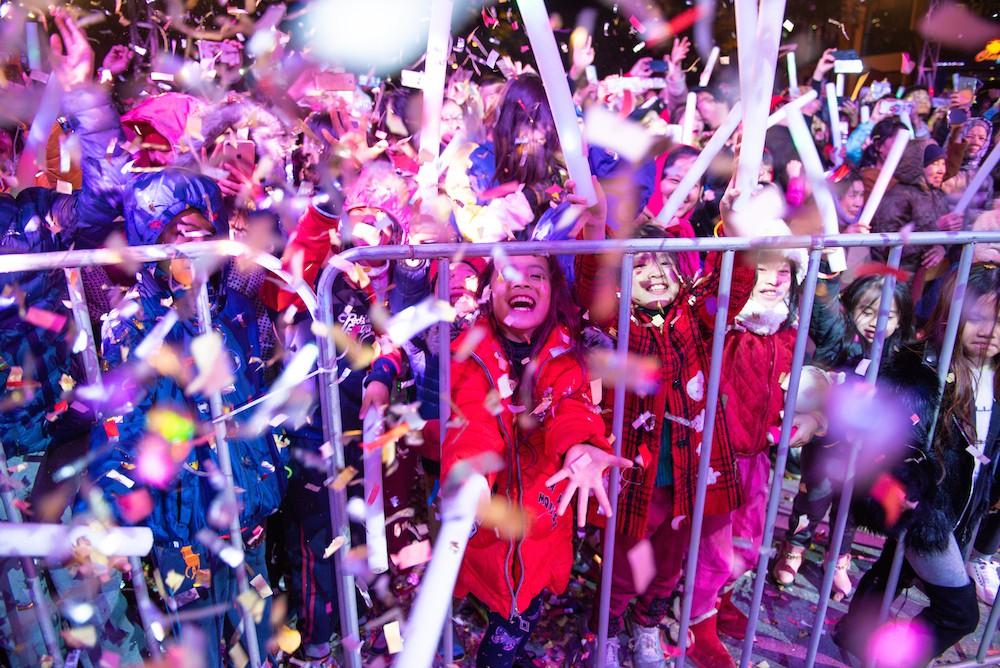 Cư dân Ecopark mãn nhãn với màn pháo hoa đón năm mới - Ảnh 7.