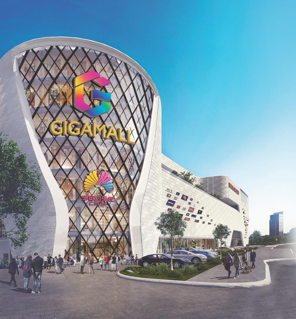 Hàng hiệu giảm giá sẵn chờ khách chọn mua ở Sense City Phạm Văn Đồng - Ảnh 2.