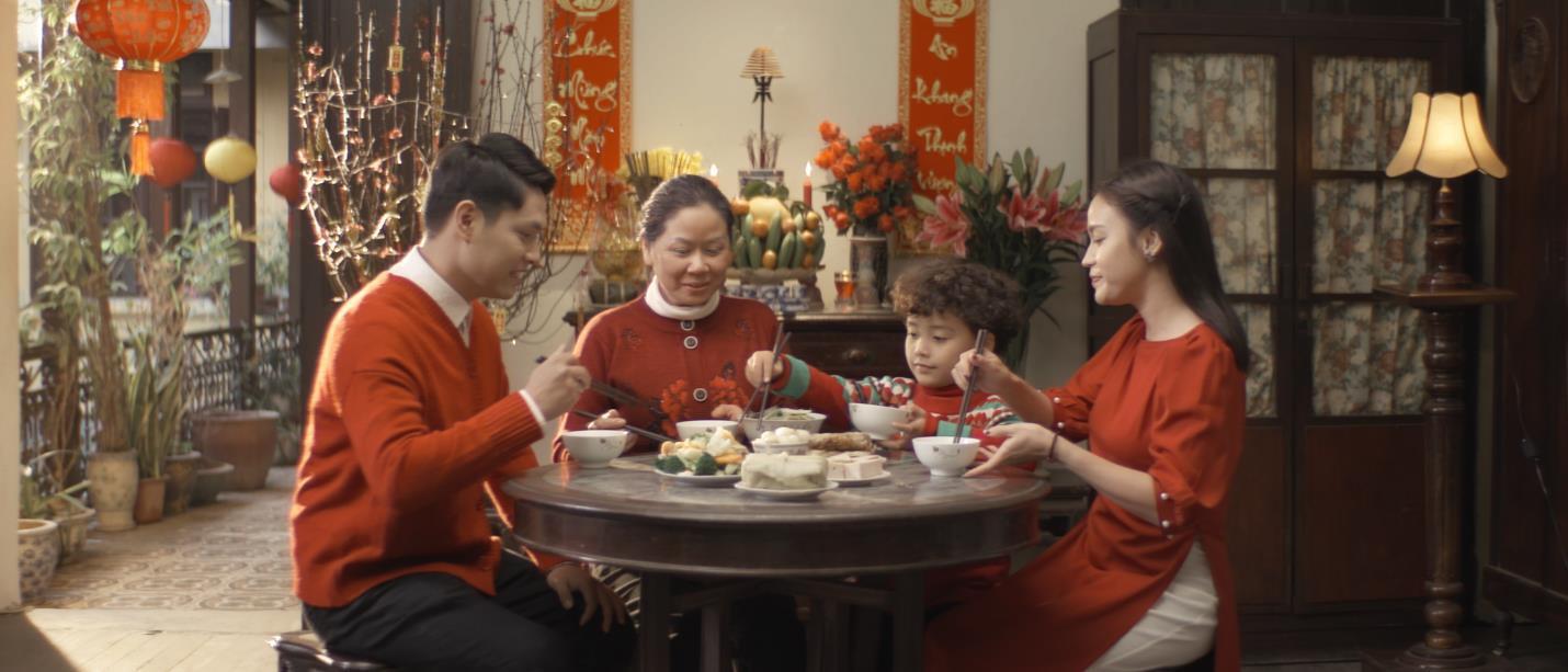 """""""Chỉ cần mẹ vui"""" - Phim ngắn đầy xúc động về mẹ được kể bằng giọng ca Hà Anh Tuấn - Ảnh 4."""