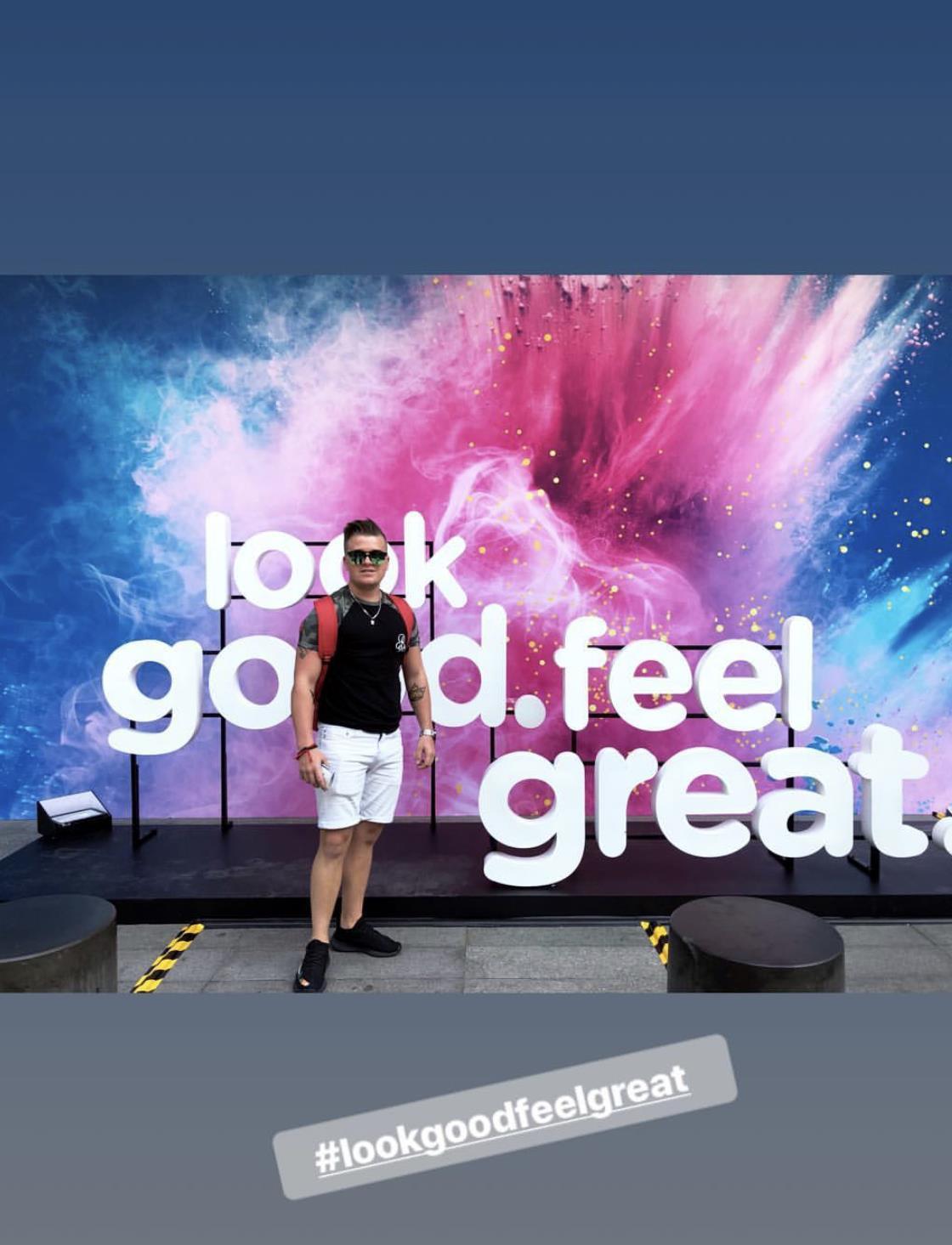 """Giới trẻ Sài thành thích thú với góc """"sống ảo"""" mới ở tòa nhà Bitexco - Ảnh 7."""