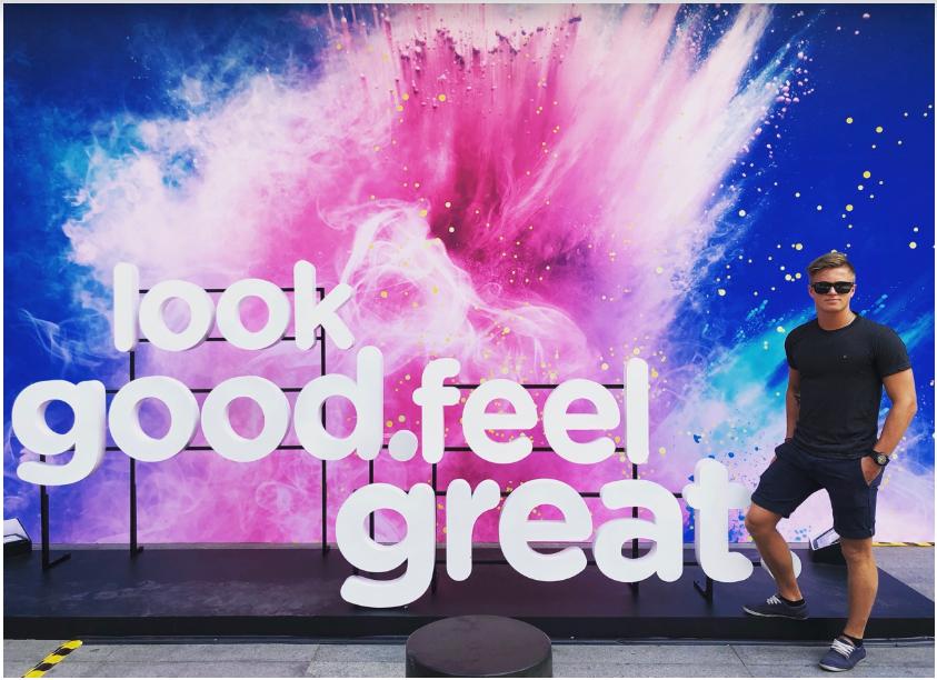 """Giới trẻ Sài thành thích thú với góc """"sống ảo"""" mới ở tòa nhà Bitexco - Ảnh 8."""