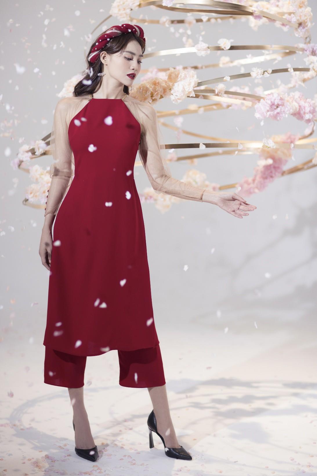 """""""Gái già"""" Ninh Dương Lan Ngọc khiến fan mãn nhãn với vẻ quyến rũ trong tà áo dài truyền thống đón Tết - Ảnh 6."""