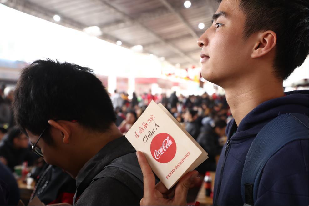 """Giới trẻ cả Thủ đô đều như đang đổ về """"Châu Á giữa lòng Hà Nội"""" - Ảnh 2."""