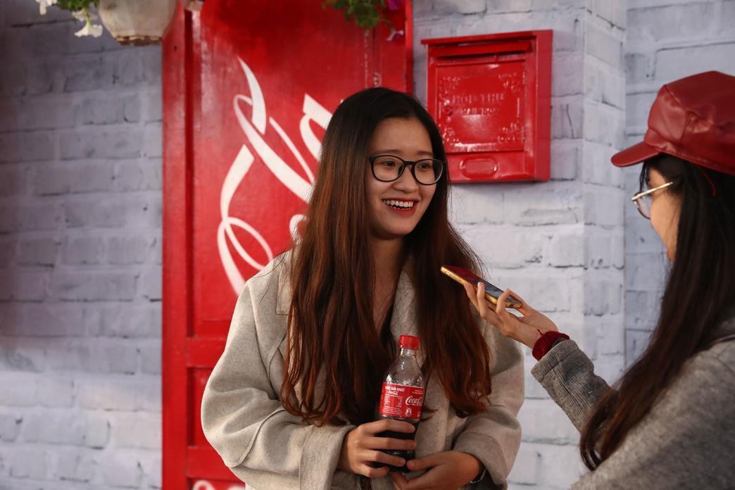 """Giới trẻ cả Thủ đô đều như đang đổ về """"Châu Á giữa lòng Hà Nội"""" - Ảnh 6."""