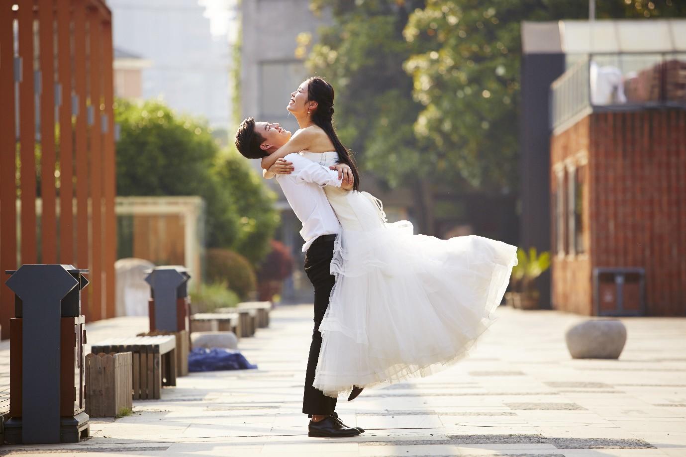 5 bí quyết giữ thần thái để có bộ ảnh cưới trong mơ - Ảnh 1.