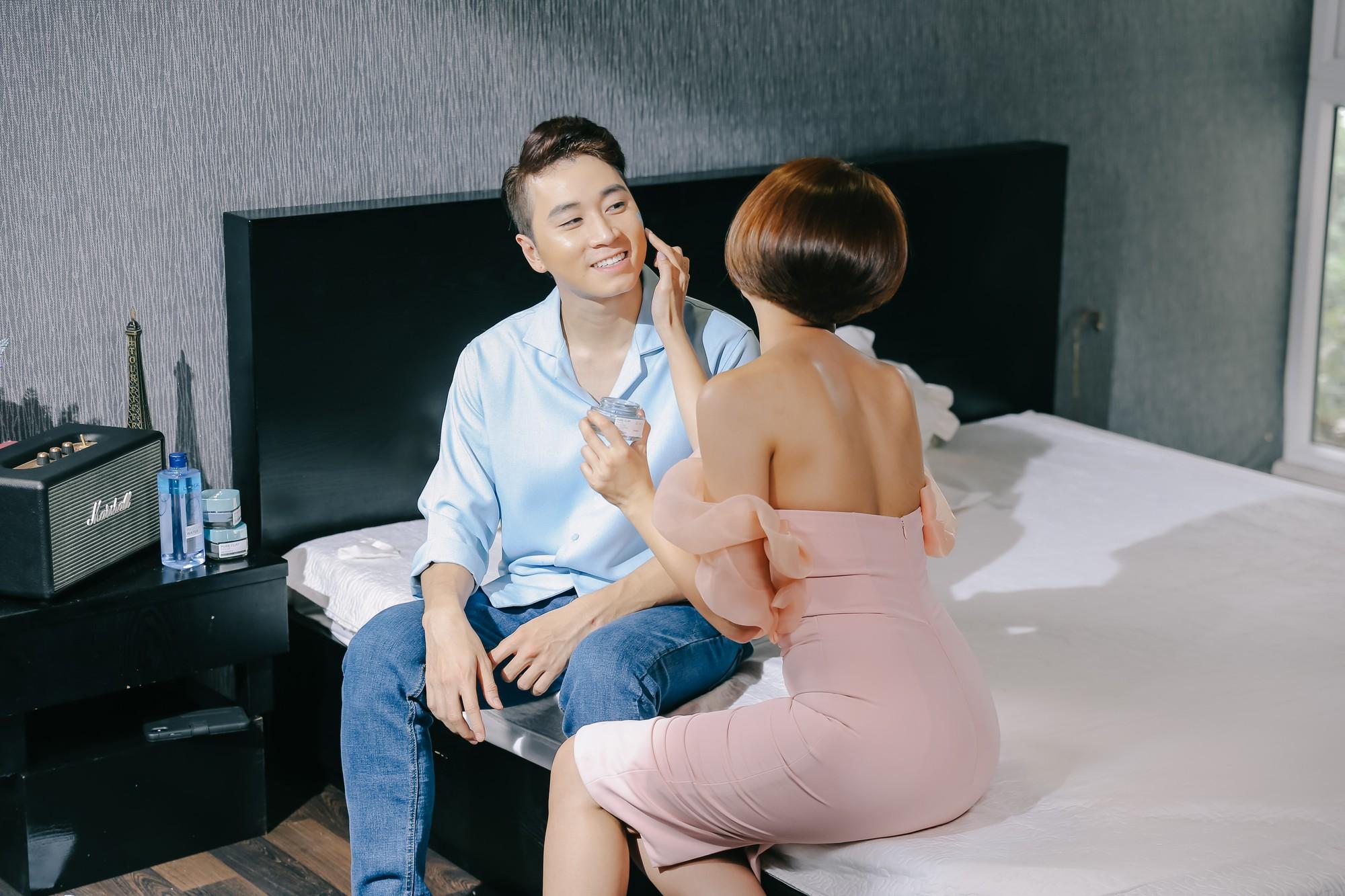 Lộ hình ảnh tình tứ, chẳng lẽ Karik và Đàm Phương Linh đã quay lại với nhau? - Ảnh 2.