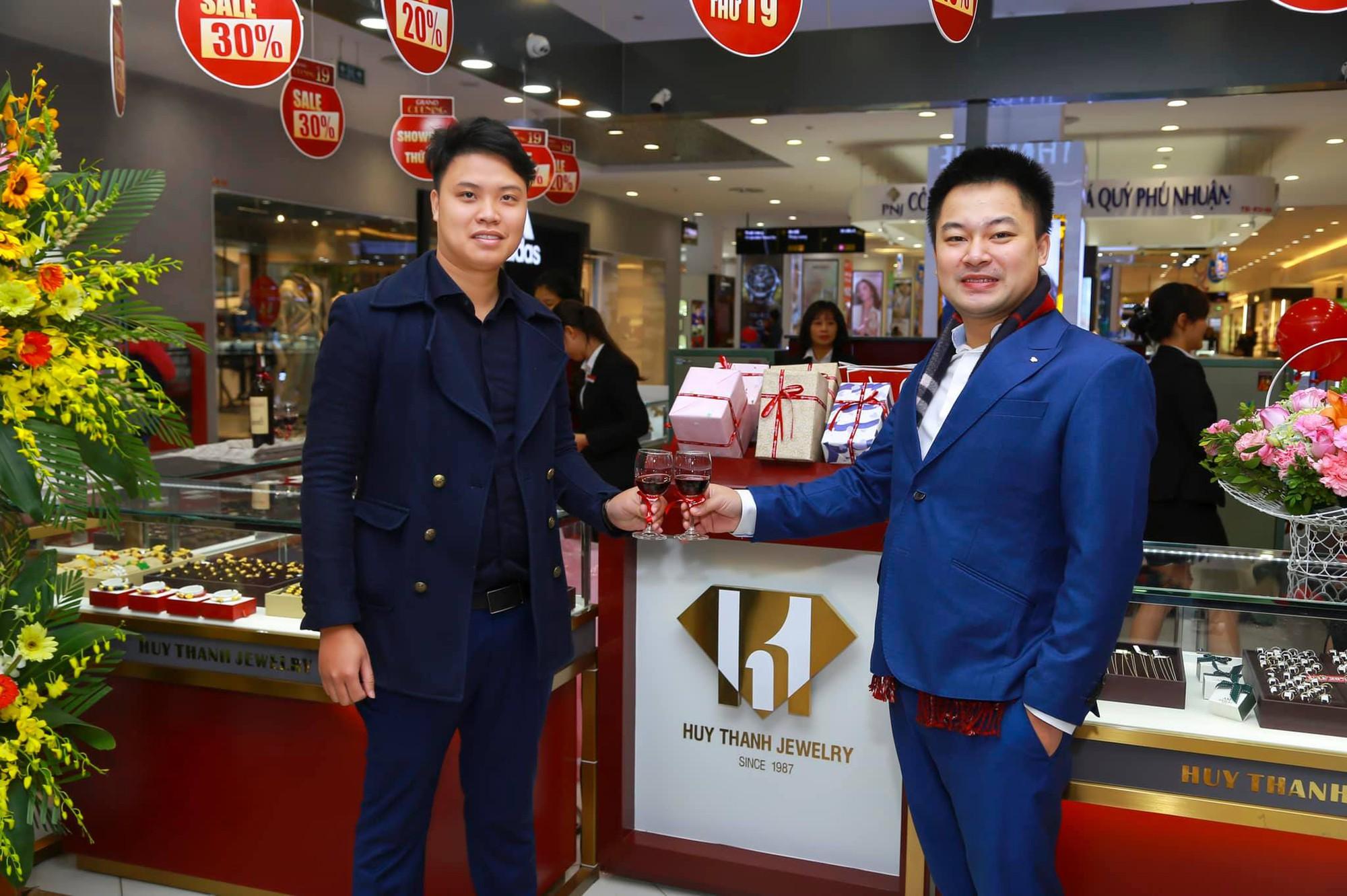 Báo Kênh 14 Đưa Tin Huy Thanh Khai Trương Showroom 19 tại Times City
