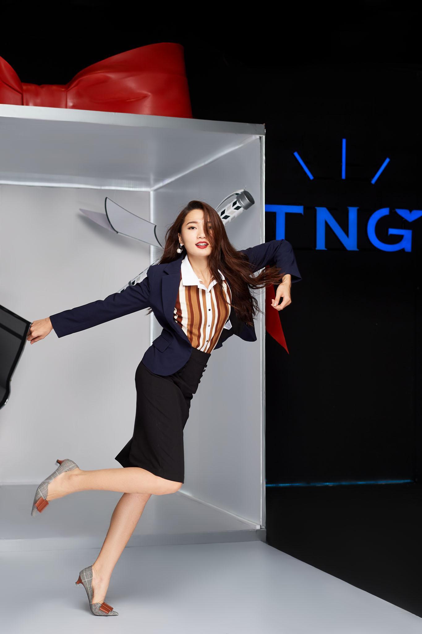 Làn gió mới cho thời trang công sở với những chuyển động cá tính - Ảnh 1.