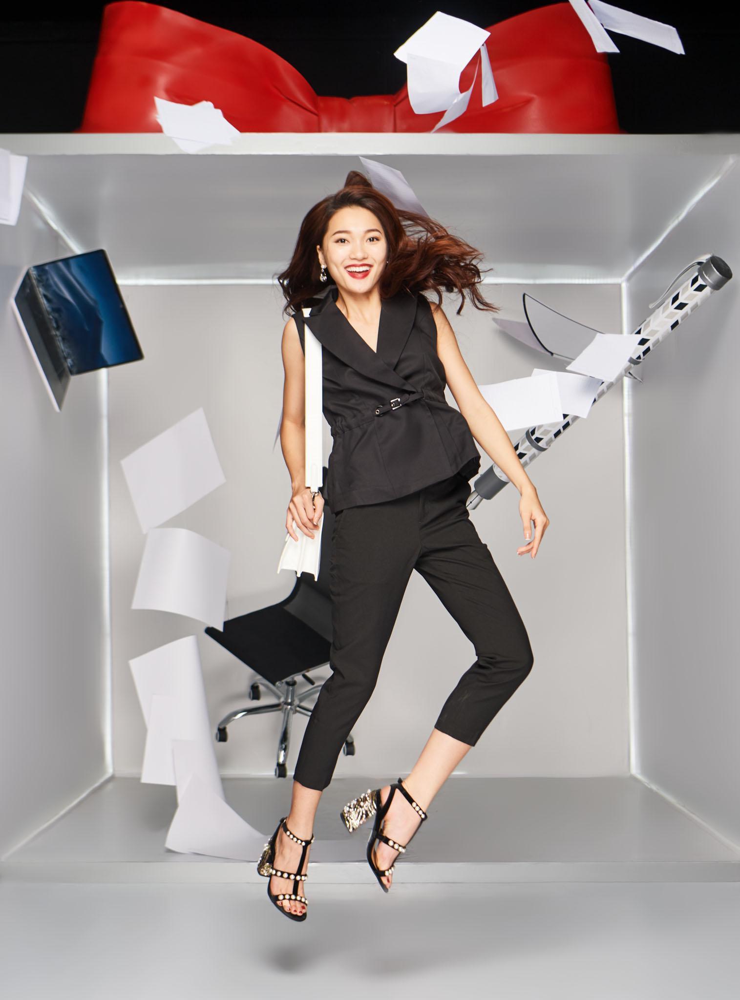 Làn gió mới cho thời trang công sở với những chuyển động cá tính - Ảnh 2.