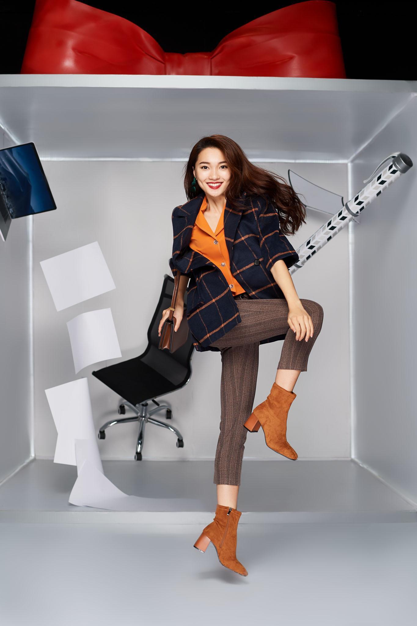 Làn gió mới cho thời trang công sở với những chuyển động cá tính - Ảnh 6.
