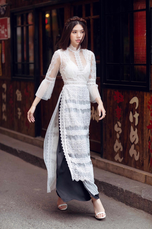 Duyên dáng và năng động khi diện áo dài như Jolie Nguyễn - Ảnh 3.