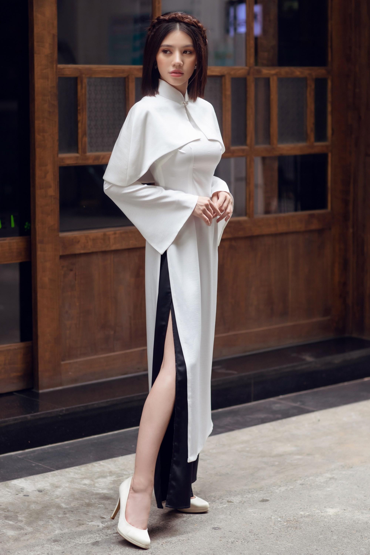 Duyên dáng và năng động khi diện áo dài như Jolie Nguyễn - Ảnh 6.