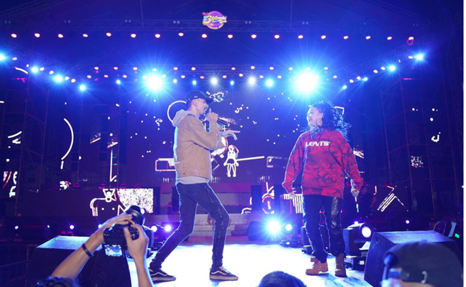 """Sơn Tùng, Đen Vâu, Hồ Ngọc Hà cùng loạt sao Việt """"đốt cháy"""" sân khấu ca nhạc hơn 40,000 khán giả - Ảnh 4."""