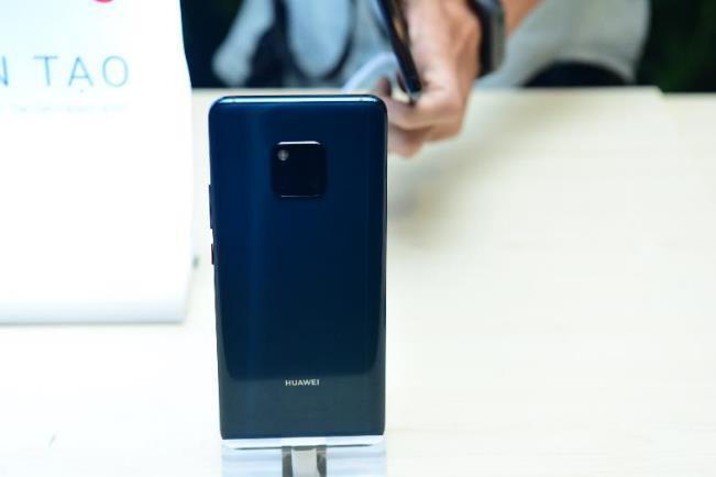 """Huawei tưng bừng """"lì xì"""" năm mới cho người dùng bằng loạt ưu đãi hấp dẫn - Ảnh 1."""