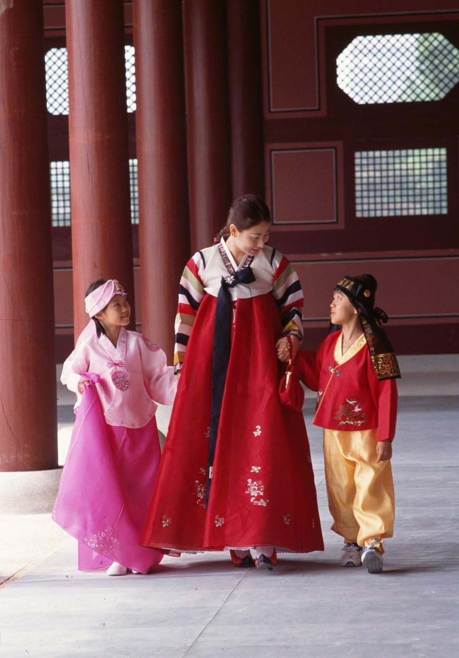Háo hức không khí đón Tết cổ truyền khắp Đông Bắc Á - Ảnh 3.