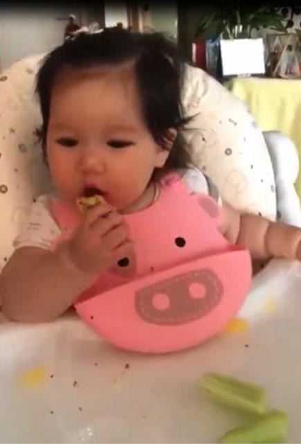 Mẹ con siêu mẫu Hà Anh – Myla đốn tim triệu fan với một ngày thường nhật siêu yêu - Ảnh 3.